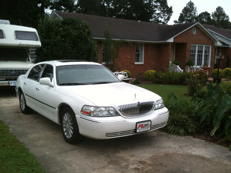 image s of second hand lincoln town car for sale by owner. Black Bedroom Furniture Sets. Home Design Ideas