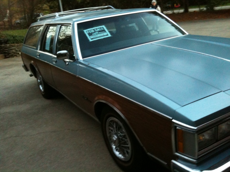 oldsmobile custom cruiser 1986 sale by owner in louisville ky 40206. Black Bedroom Furniture Sets. Home Design Ideas