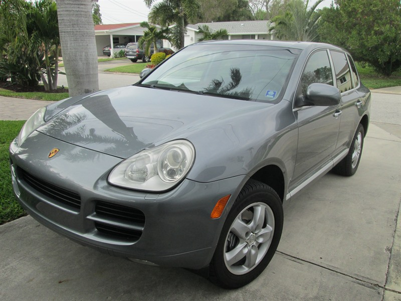 porsche cayenne 2006 for sale by owner in saint petersburg fl 33707. Black Bedroom Furniture Sets. Home Design Ideas