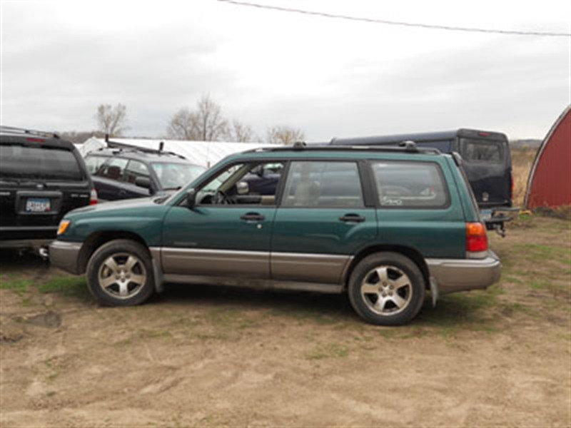 subaru forester s 1998 for sale by owner in minneapolis mn 55407. Black Bedroom Furniture Sets. Home Design Ideas