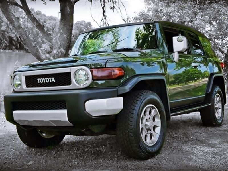 toyota fj cruiser 2011 for sale by owner in rockford il 61126. Black Bedroom Furniture Sets. Home Design Ideas