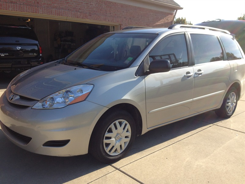 toyota sienna 2007 for sale by owner in canton mi 48188. Black Bedroom Furniture Sets. Home Design Ideas