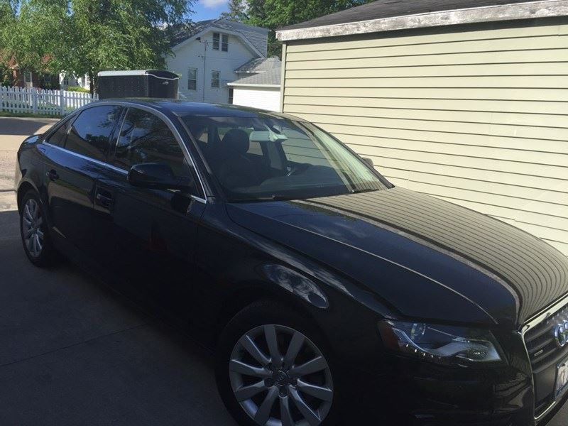 2010 audi a4 for sale by owner in moline il 61266. Black Bedroom Furniture Sets. Home Design Ideas