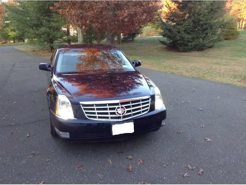 used 2007 cadillac dts for sale by owner in hartford ct 06106. Black Bedroom Furniture Sets. Home Design Ideas