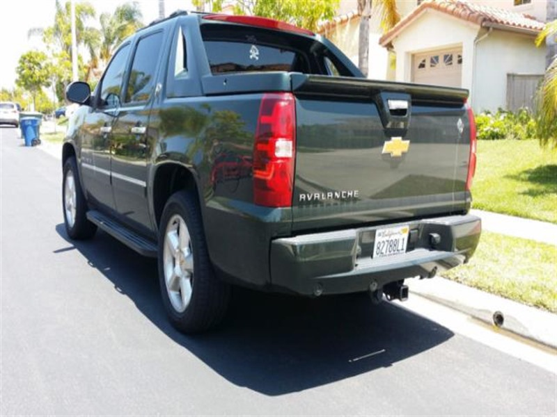 2013 chevrolet avalanche 1500 for sale by private owner in san diego ca 92199. Black Bedroom Furniture Sets. Home Design Ideas