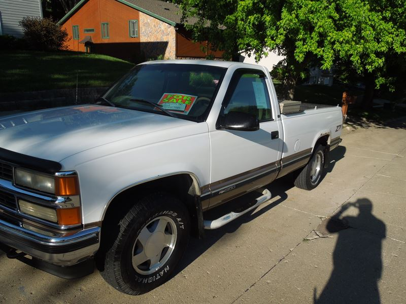 1998 chevrolet c k 1500 for sale by owner in sioux city ia 51108. Black Bedroom Furniture Sets. Home Design Ideas