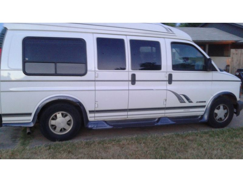 1999 chevrolet sportvan for sale by owner in fort worth tx 76190. Black Bedroom Furniture Sets. Home Design Ideas