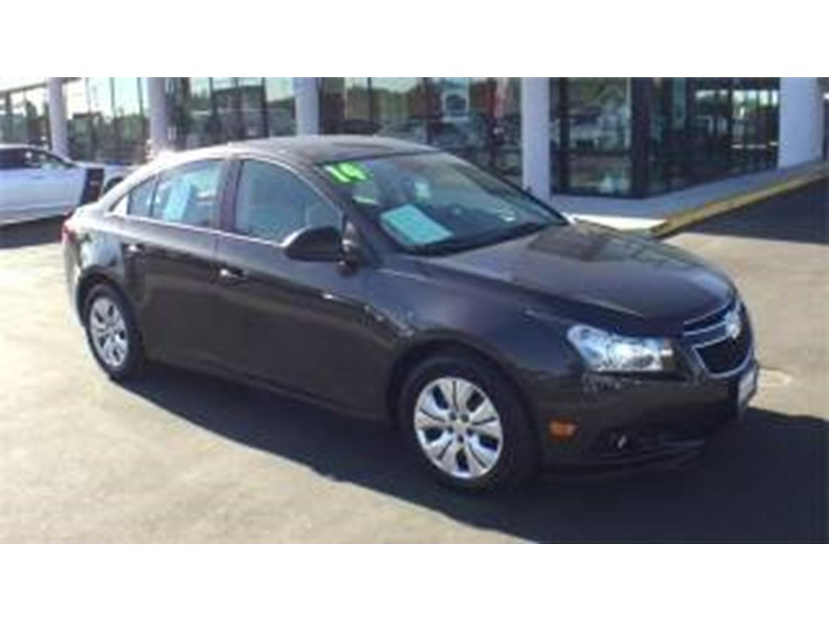 2014 Chevrolet Cruze for sale by owner in Ventura