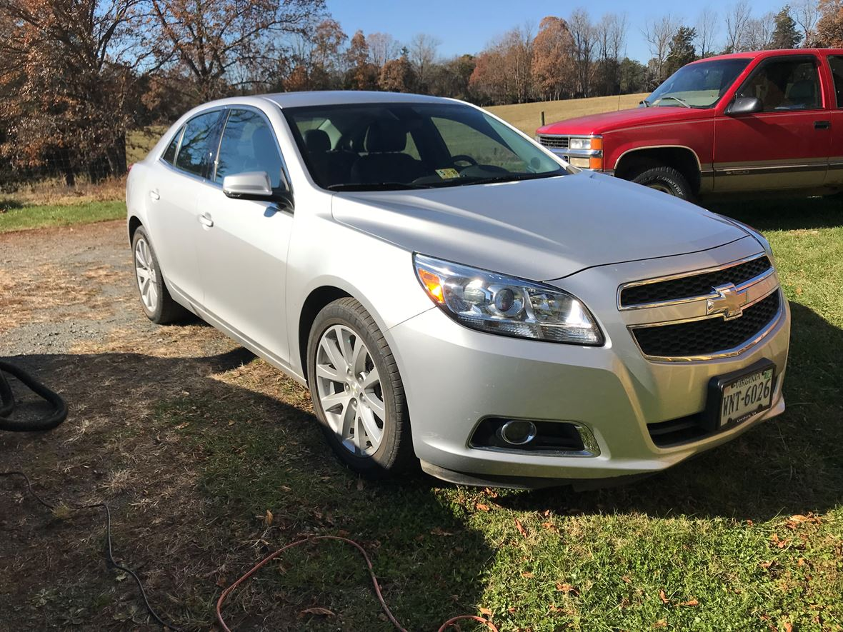 2013 Chevrolet Malibu for sale by owner in Charlottesville