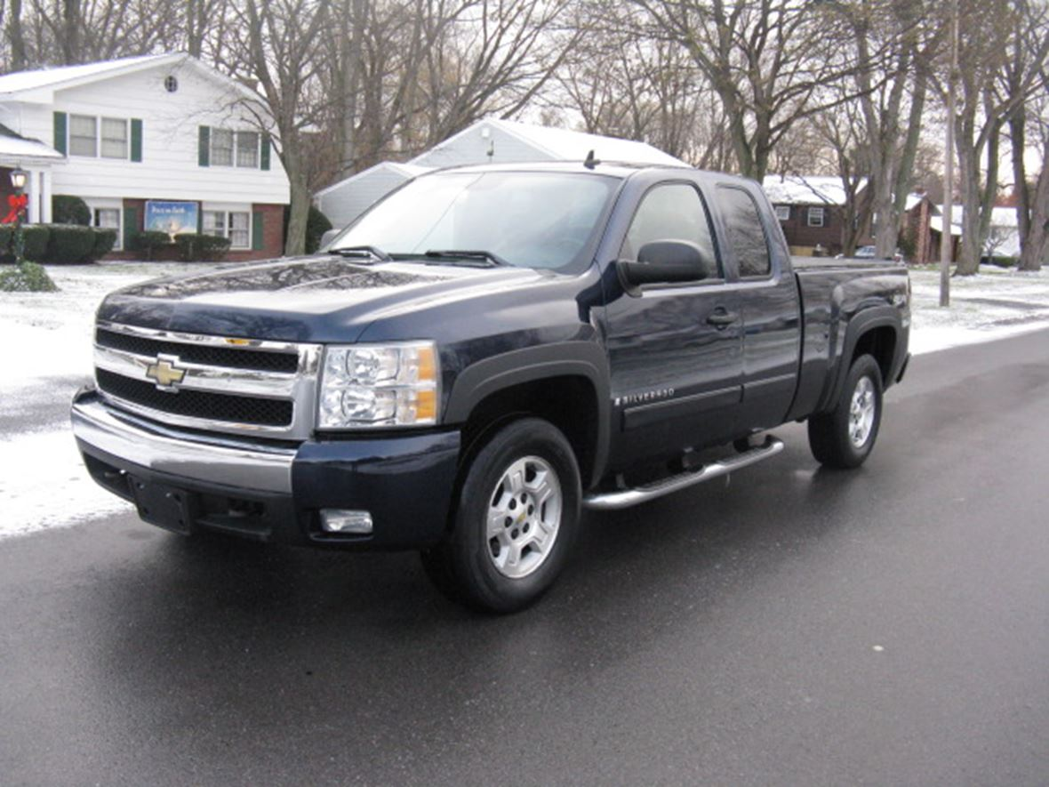 2008 chevrolet silverado 1500 crew cab by owner rochester ny 14608. Black Bedroom Furniture Sets. Home Design Ideas