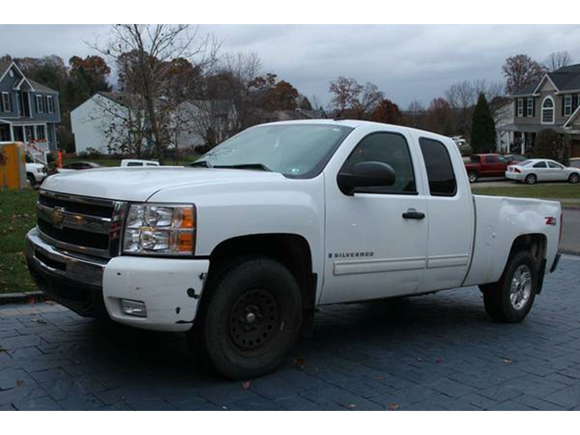 2009 Chevrolet Silverado 1500 Crew Cab for sale by owner in Gibsonia