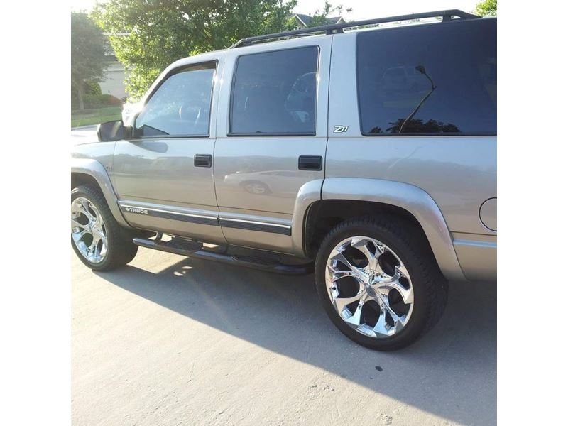 2000 chevrolet tahoe for sale by owner in houston tx 77299. Black Bedroom Furniture Sets. Home Design Ideas