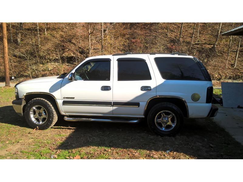 2002 chevrolet tahoe for sale by owner in east point ky 41216. Black Bedroom Furniture Sets. Home Design Ideas