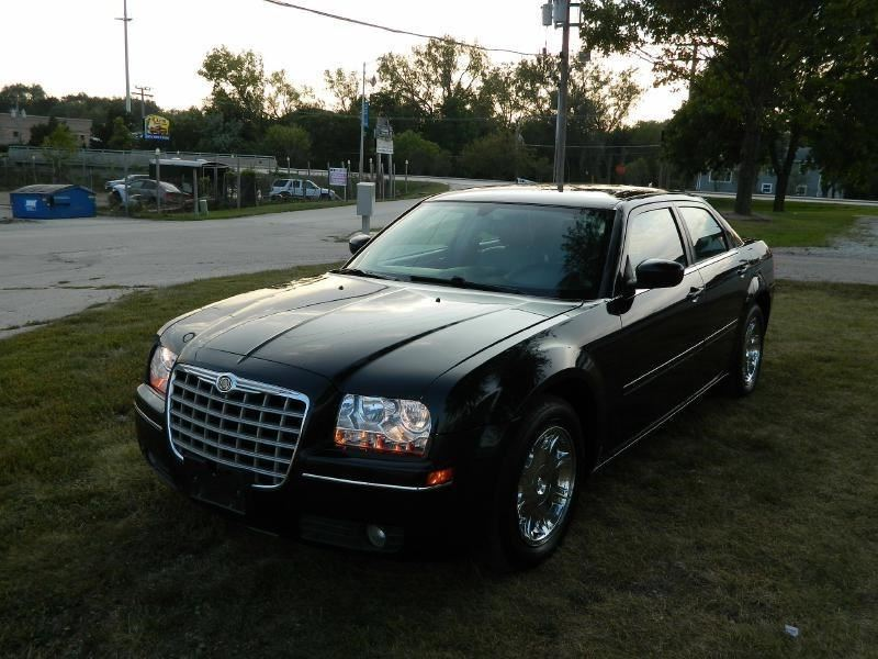2005 chrysler 300 for sale by owner in joliet il 60436. Black Bedroom Furniture Sets. Home Design Ideas