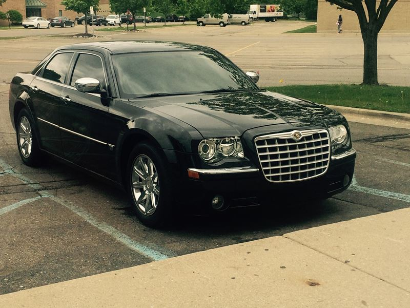 2005 chrysler 300c for sale by owner in dearborn mi 48128. Black Bedroom Furniture Sets. Home Design Ideas