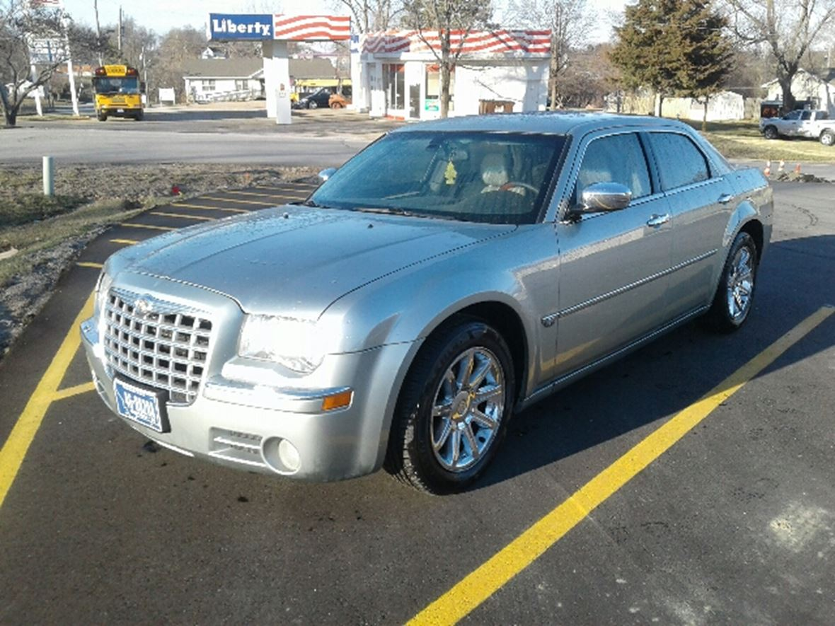 2005 chrysler 300c for sale by owner in oskaloosa ks 66066. Black Bedroom Furniture Sets. Home Design Ideas