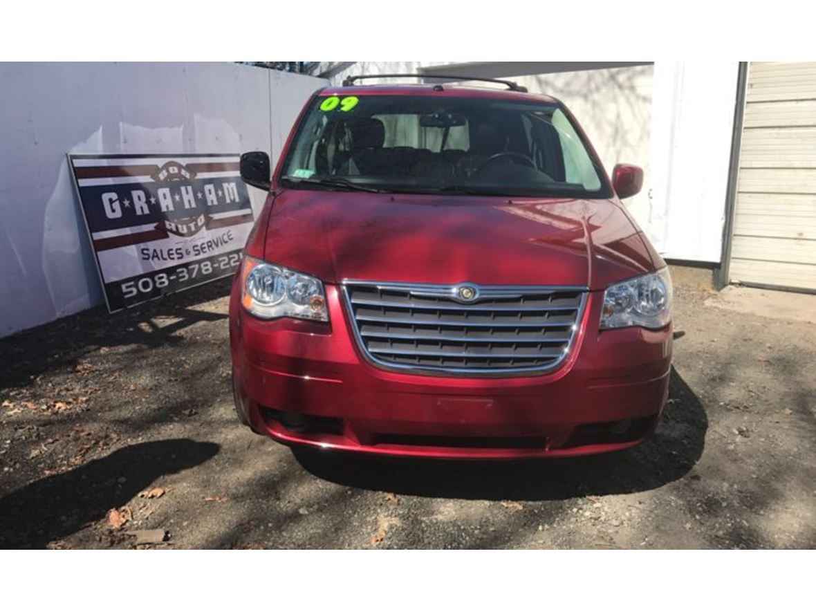 2009 chrysler town country by owner east bridgewater ma 02333. Black Bedroom Furniture Sets. Home Design Ideas