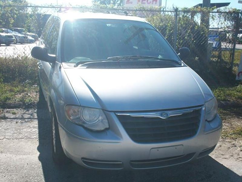 2006 chrysler town and country for sale by owner in longwood fl 32752. Black Bedroom Furniture Sets. Home Design Ideas