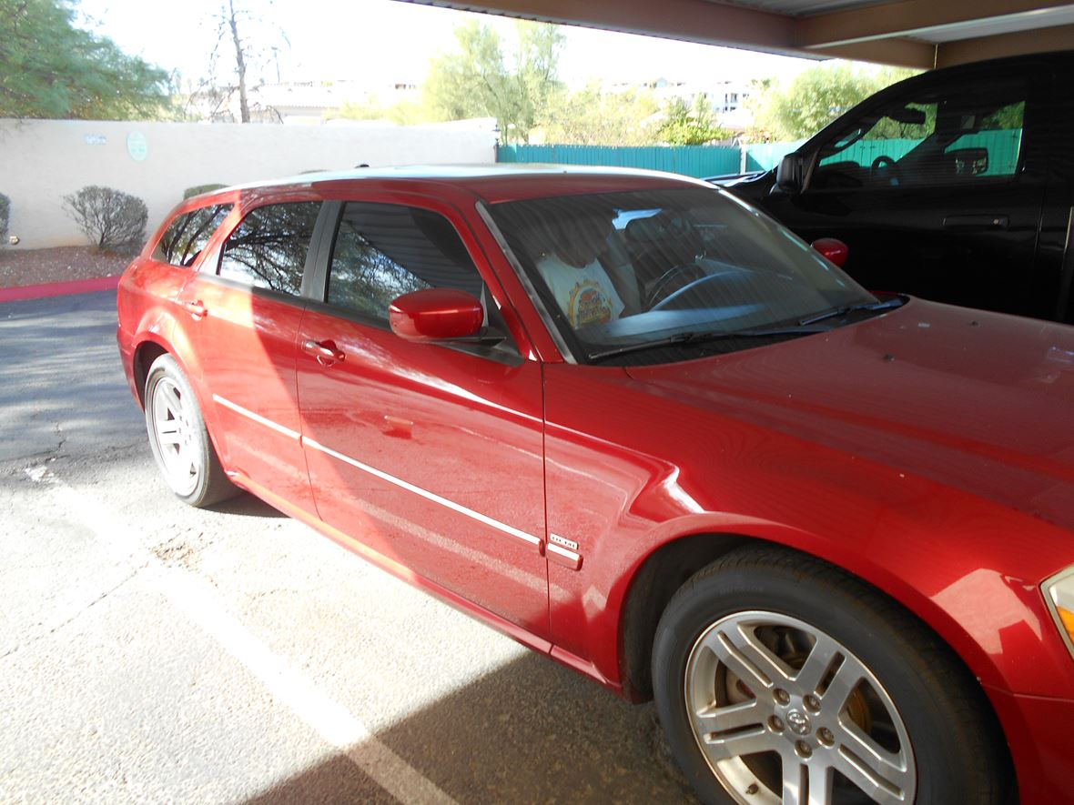 2005 Dodge Magnum for sale by owner in Phoenix
