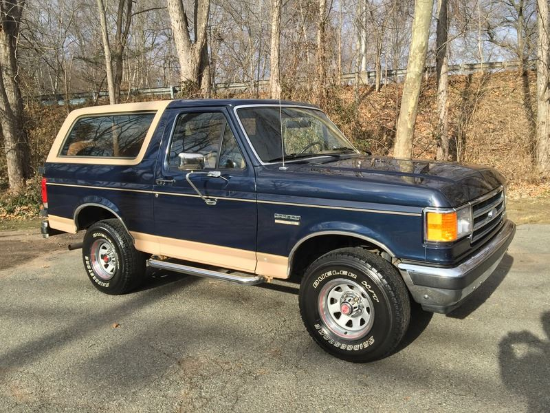 1988 Ford Bronco for sale by owner in Everett