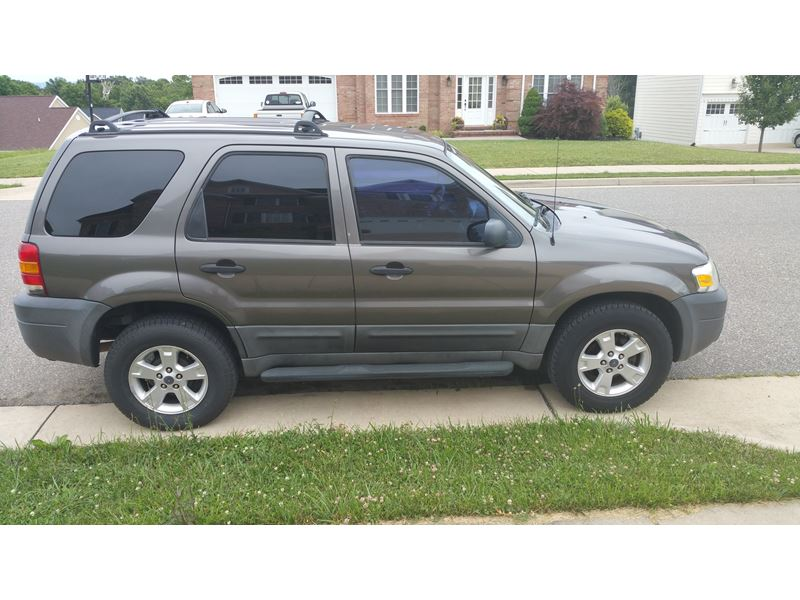2005 ford escape private car sale in fishersville va 22939. Black Bedroom Furniture Sets. Home Design Ideas