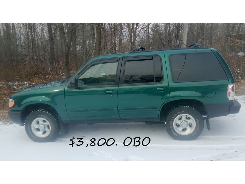 2000 ford explorer for sale by private owner in skowhegan me 04976. Black Bedroom Furniture Sets. Home Design Ideas