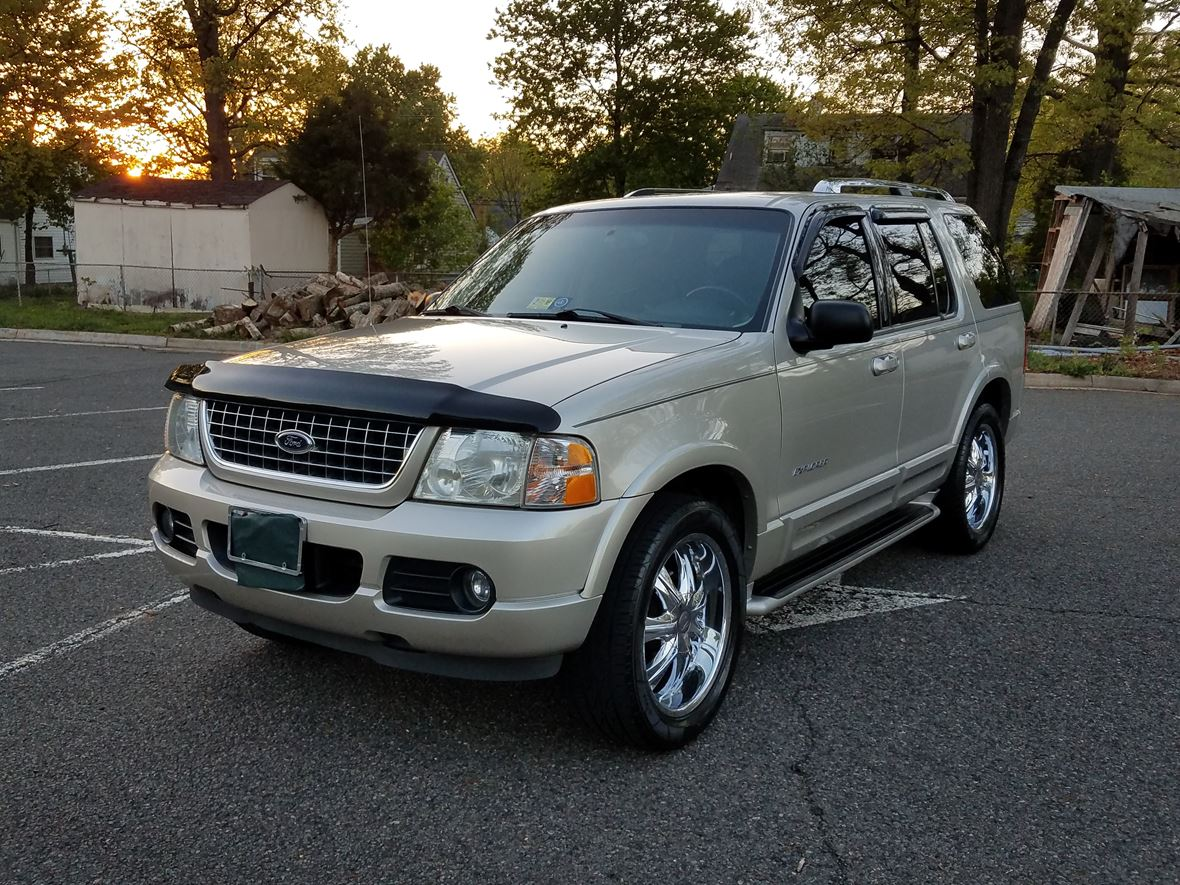 2004 Ford Explorer for sale by owner in Manassas