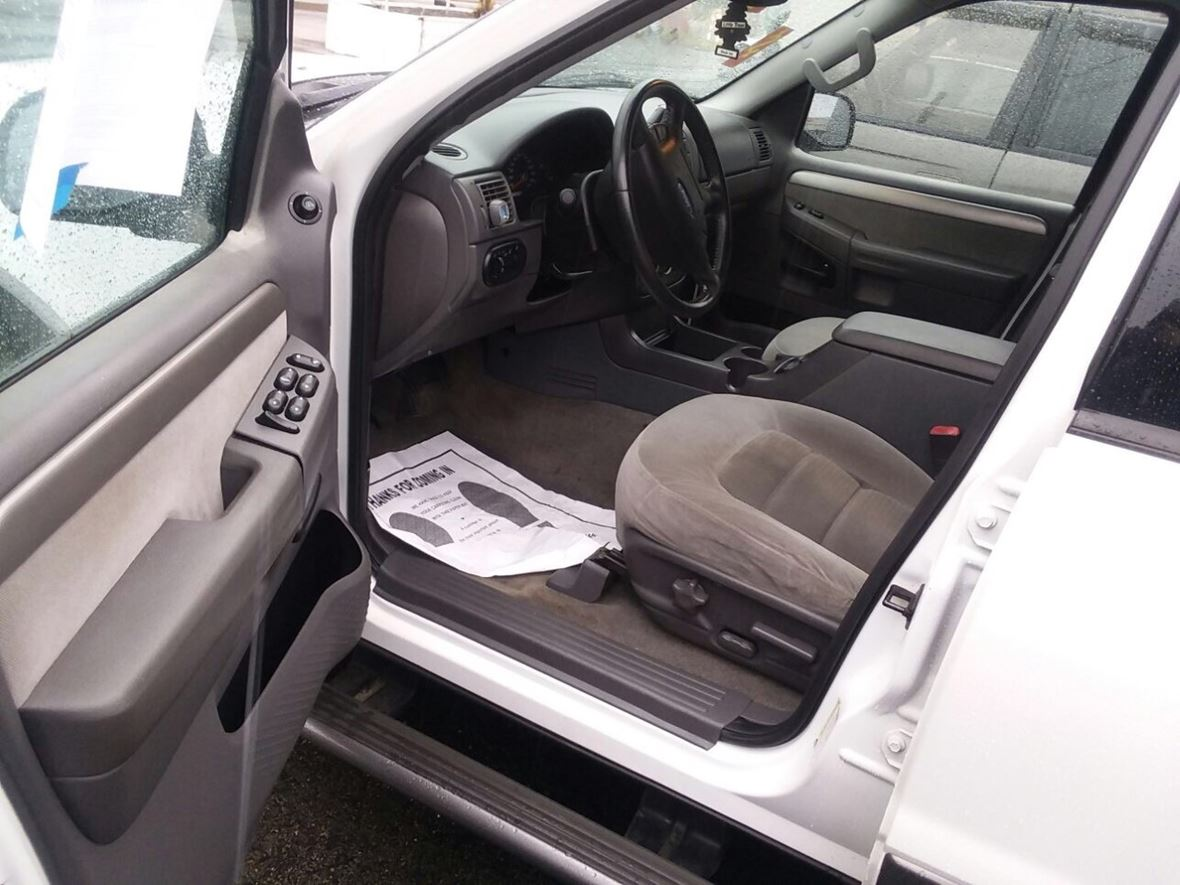 2004 Ford Explorer xlt for sale by owner in Harrisburg