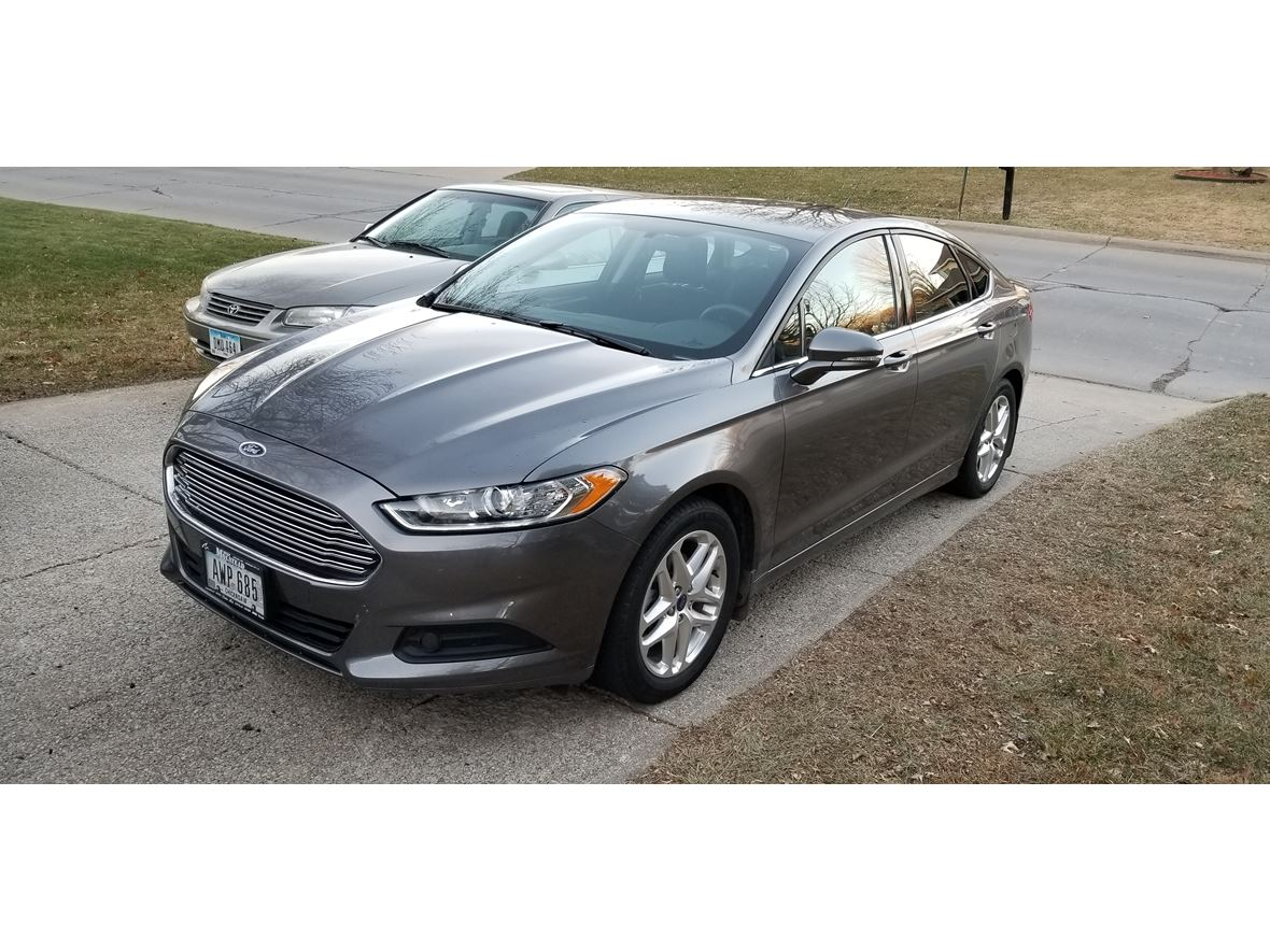 2013 Ford Fusion for sale by owner in Urbandale