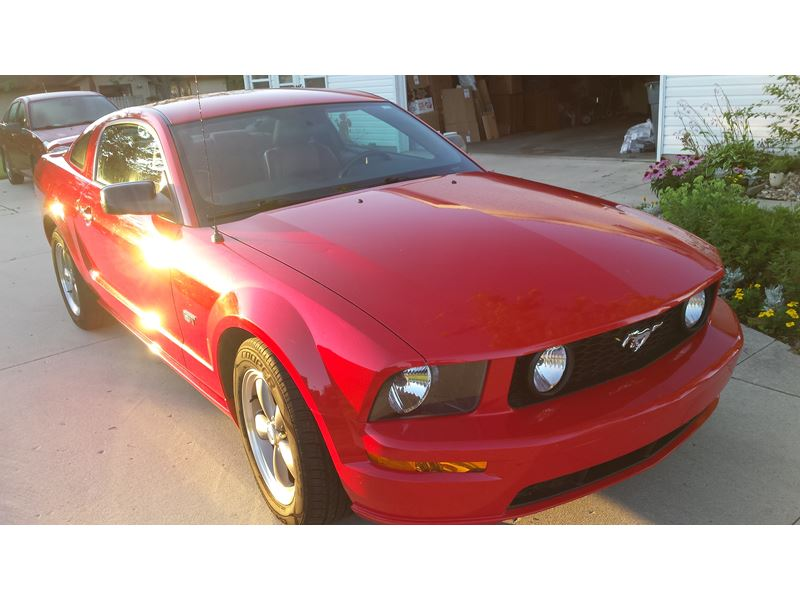 2005 ford mustang for sale by owner in chilton wi 53014. Black Bedroom Furniture Sets. Home Design Ideas