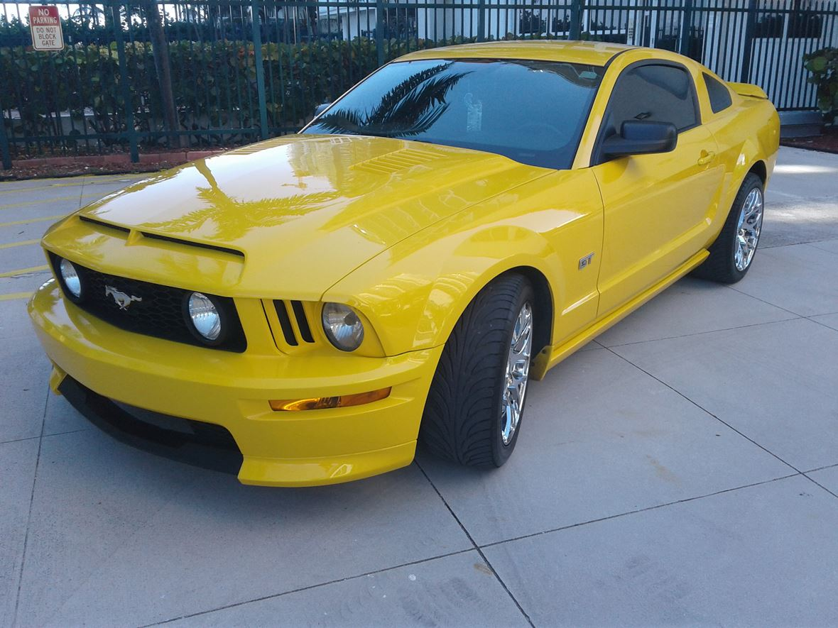 2006 ford mustang for sale by owner in hollywood fl 33084. Black Bedroom Furniture Sets. Home Design Ideas