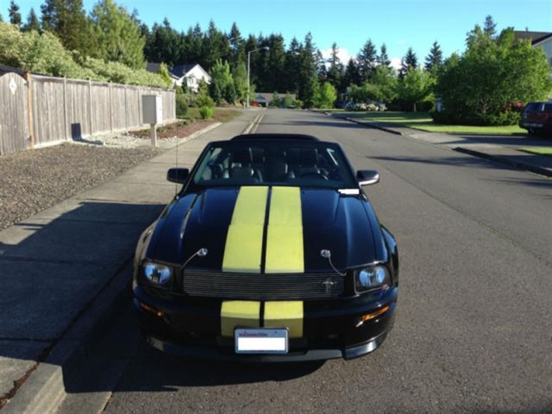 2007 Ford Mustang for sale by owner in LYNNWOOD