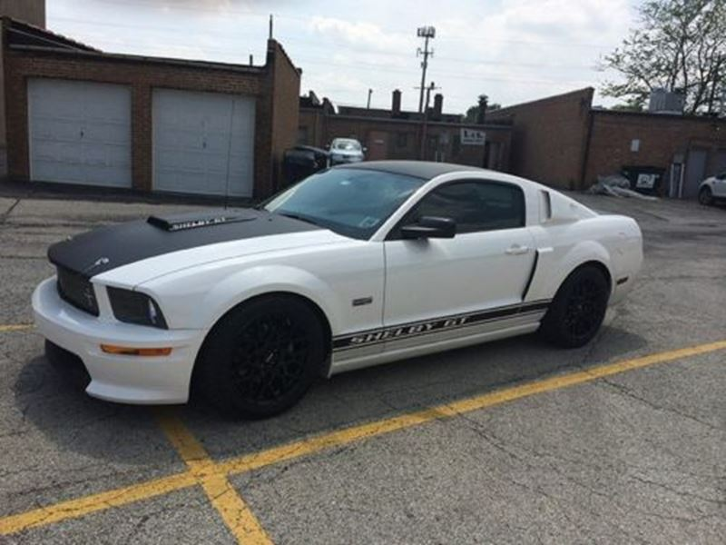 2007 ford mustang for sale by owner in des plaines il 60018. Black Bedroom Furniture Sets. Home Design Ideas
