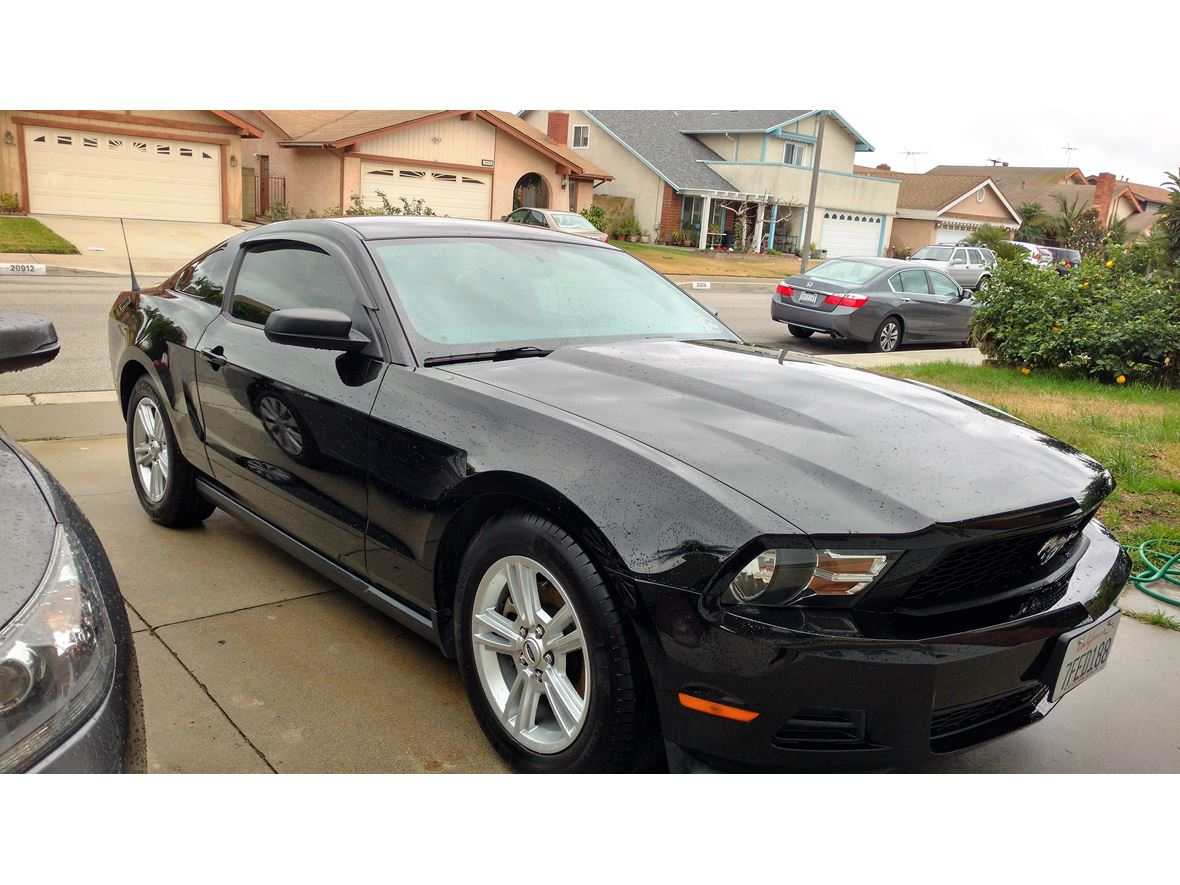 2012 ford mustang for sale by owner in lakewood ca 90714. Black Bedroom Furniture Sets. Home Design Ideas