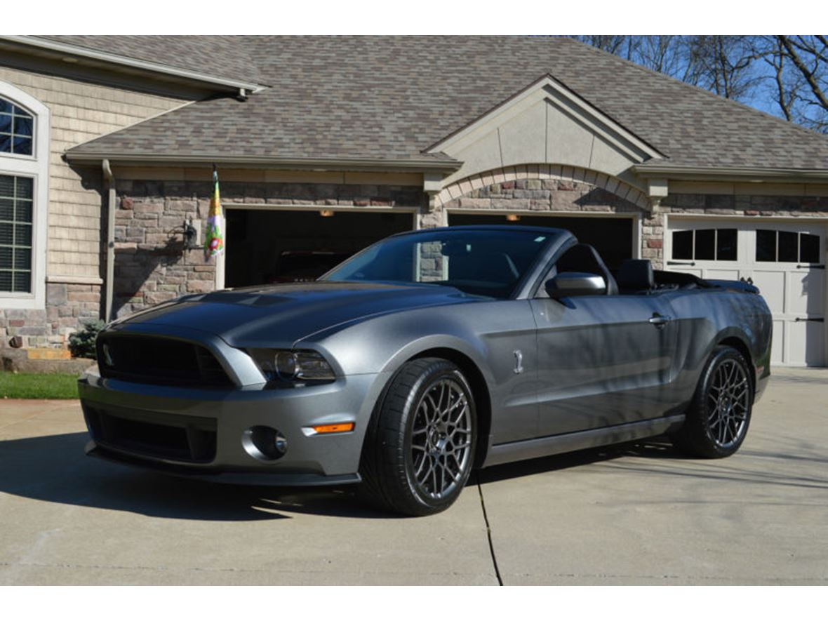 2013 ford mustang private car sale in mooreland in 47360. Black Bedroom Furniture Sets. Home Design Ideas