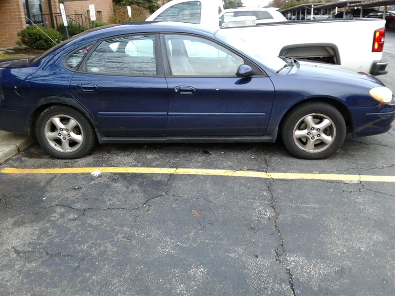 2001 ford taurus for sale by owner in bedford oh 44146. Black Bedroom Furniture Sets. Home Design Ideas