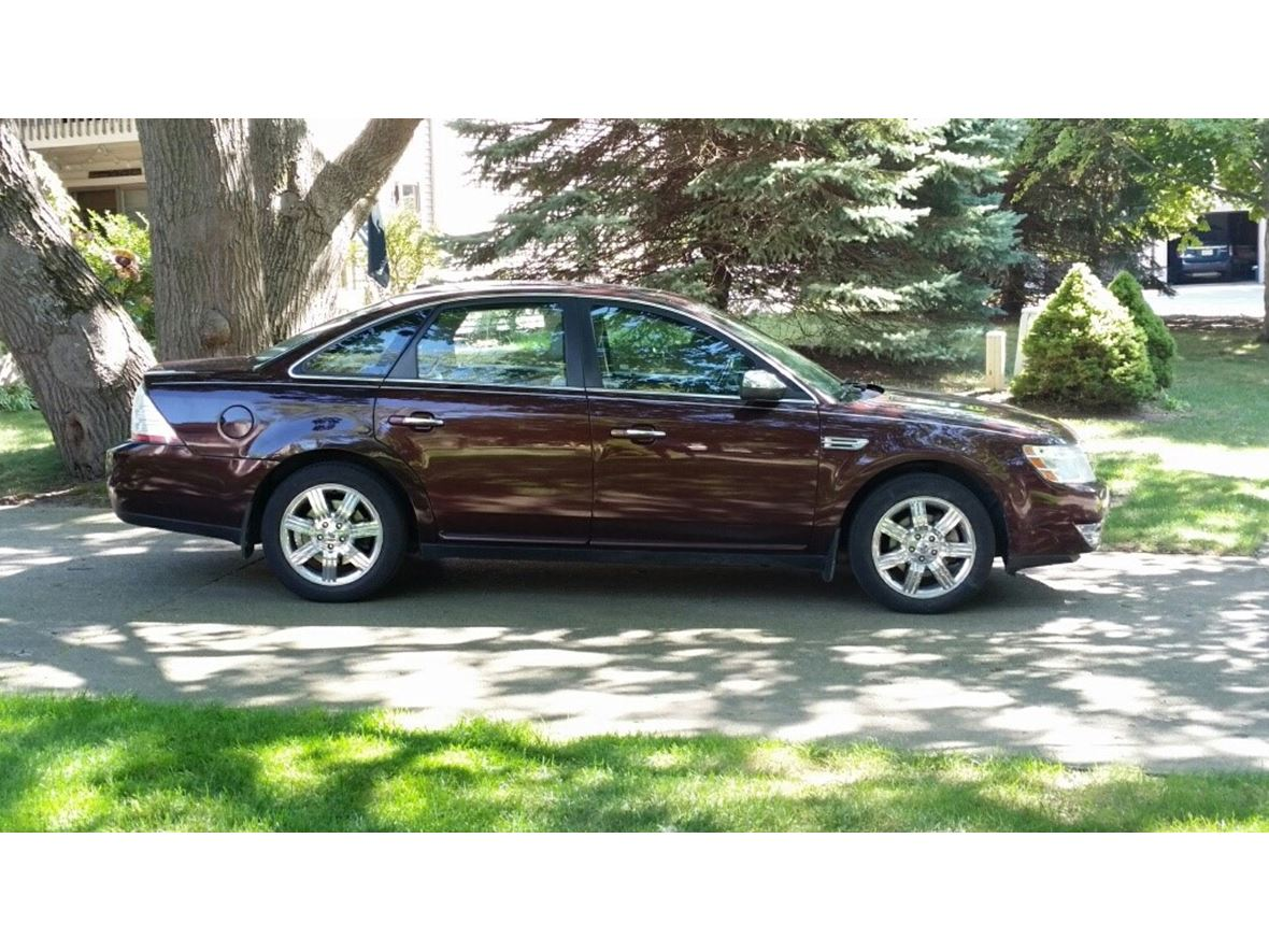 2009 Ford Taurus for sale by owner in Spring Lake