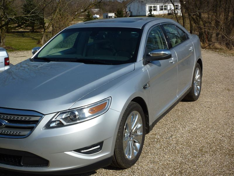 2010 ford taurus limited for sale by owner in delton mi. Black Bedroom Furniture Sets. Home Design Ideas