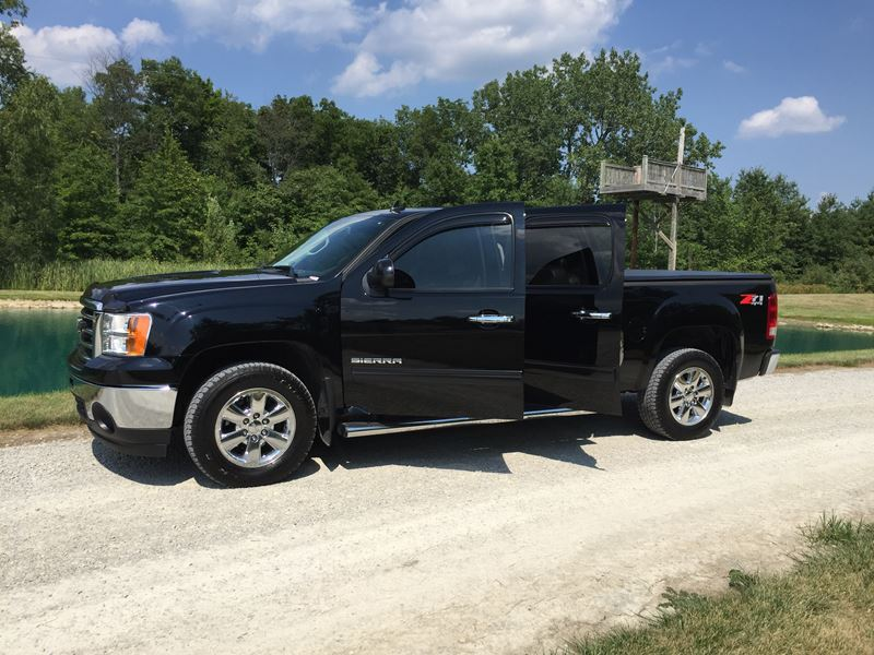 2012 gmc sierra slt z71 for sale by owner in fort wayne in 46899. Black Bedroom Furniture Sets. Home Design Ideas