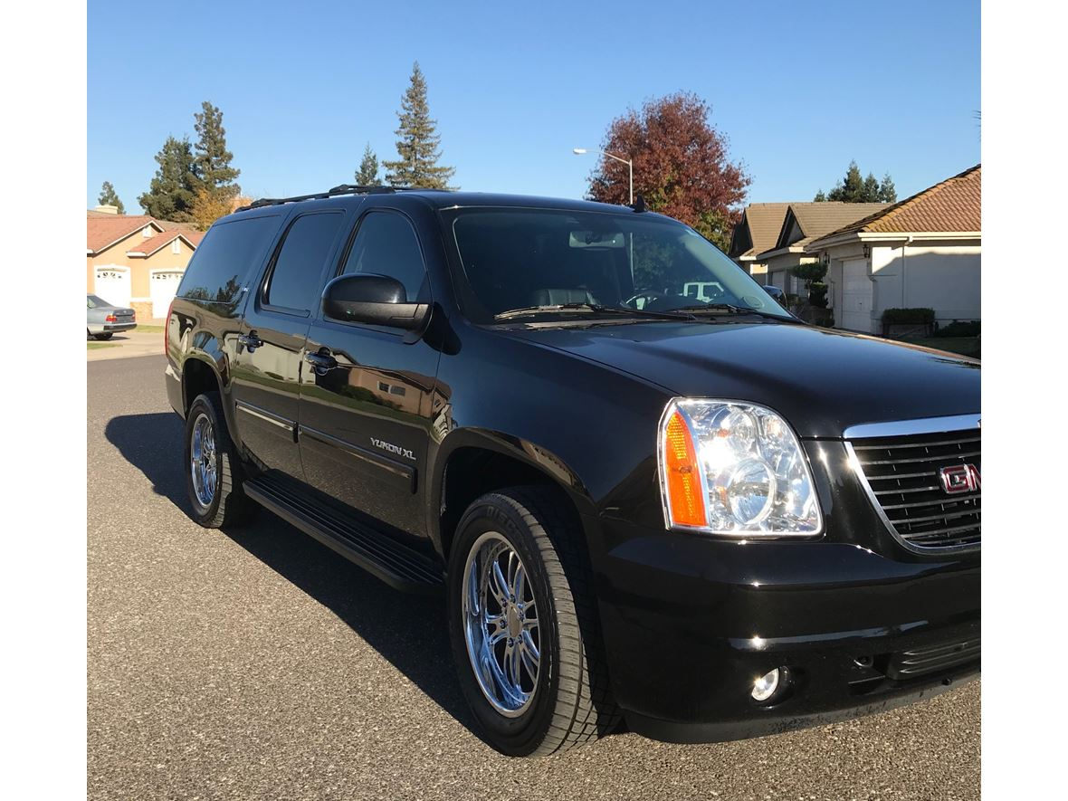 2013 GMC Yukon XL for sale by owner in Escalon