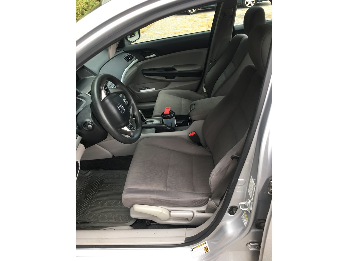 2011 Honda Accord for sale by owner in Edison