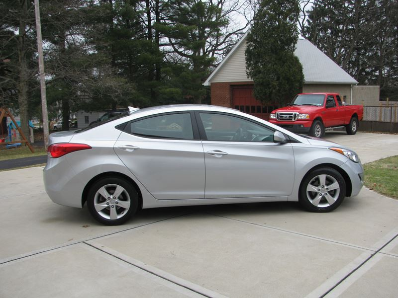 used 2013 hyundai elantra for sale by owner in bethel park pa 15102. Black Bedroom Furniture Sets. Home Design Ideas