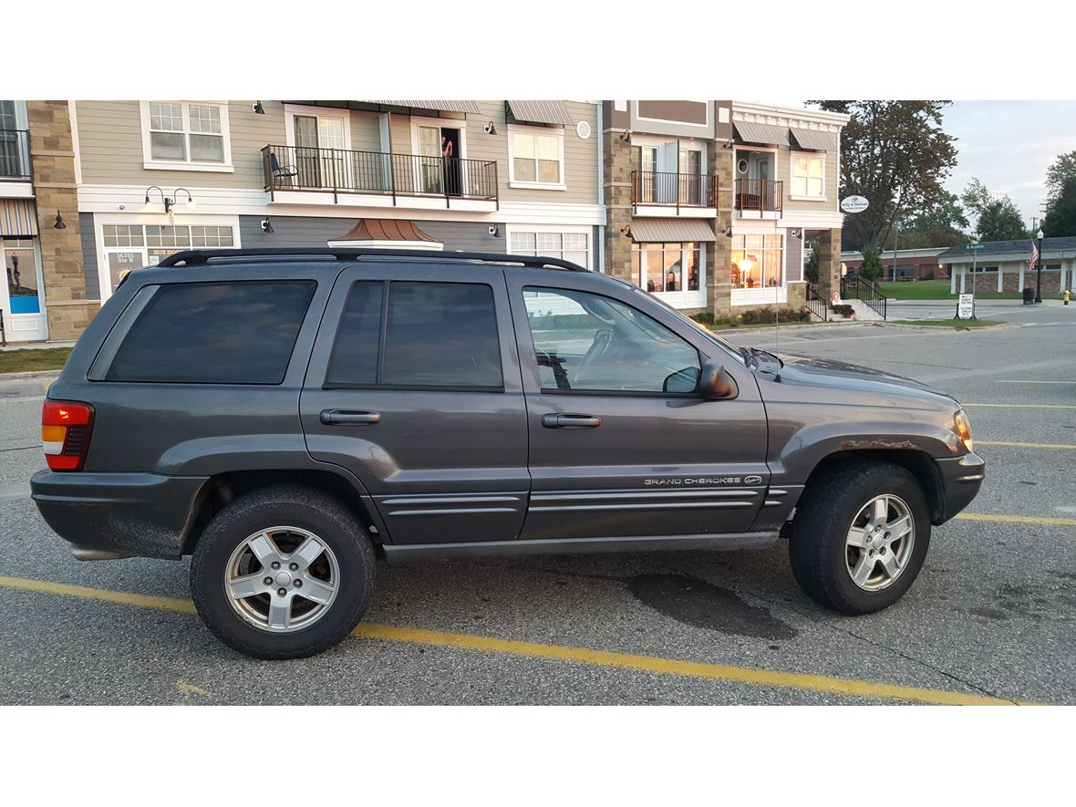 2002 Jeep Grand Cherokee for sale by owner in New Baltimore