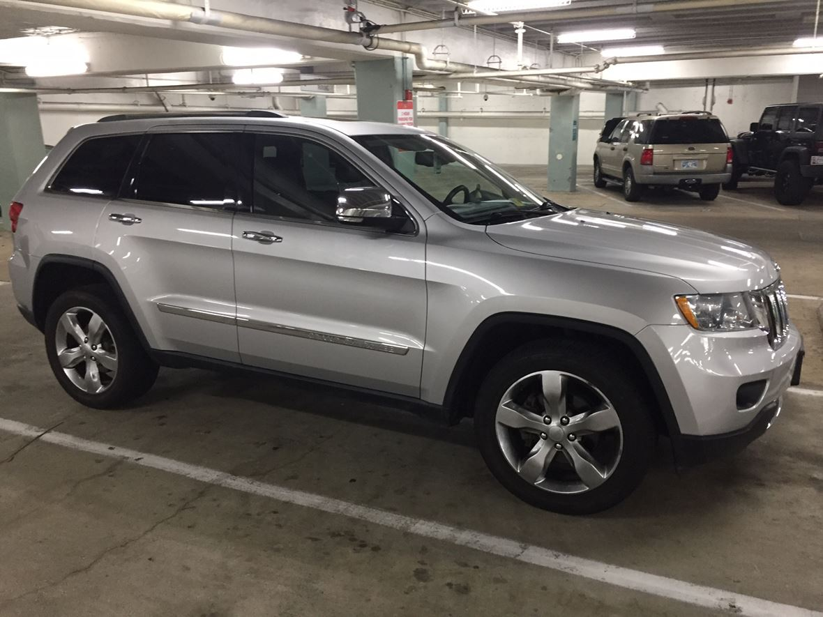 2012 Jeep Grand Cherokee for sale by owner in Washington