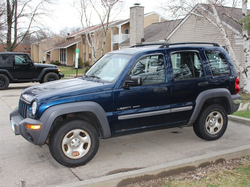 2002 jeep liberty for sale by owner in westlake oh 44145. Black Bedroom Furniture Sets. Home Design Ideas