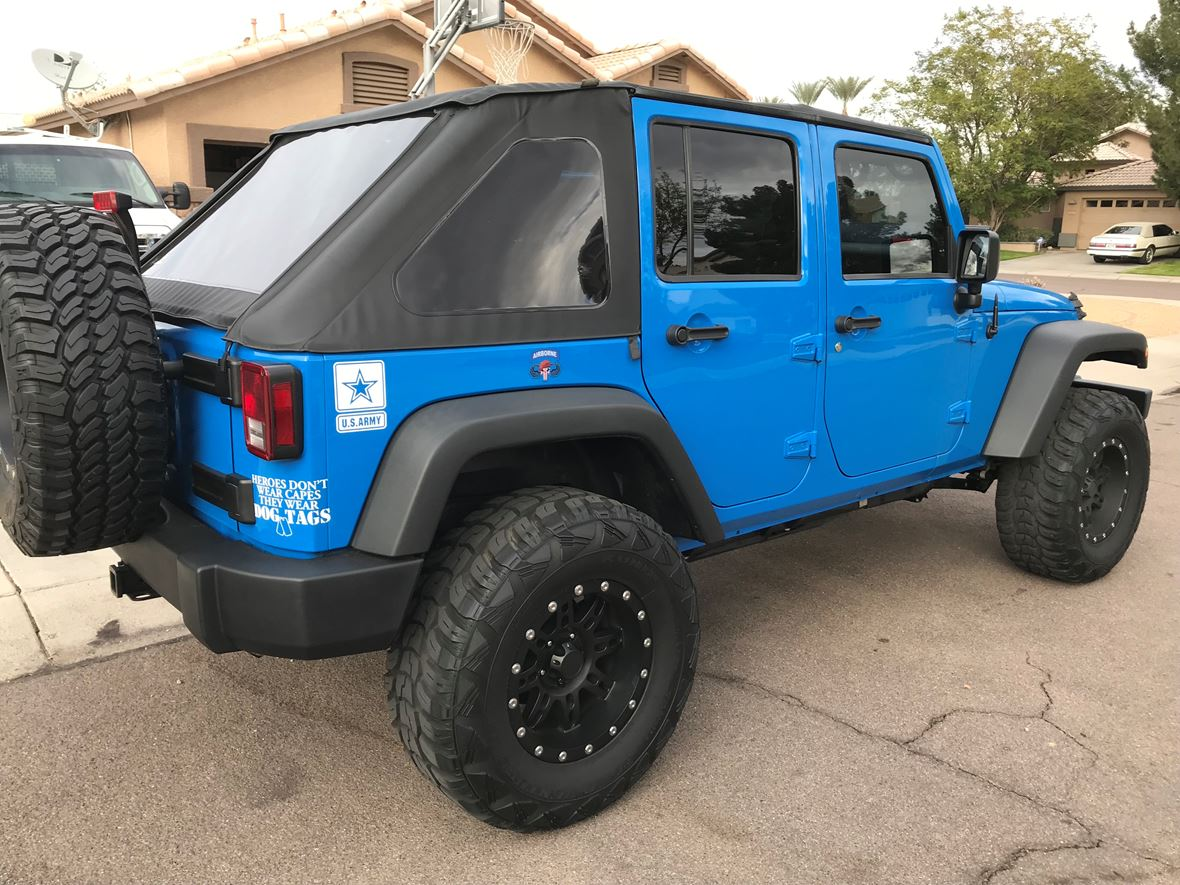 2011 Jeep Wrangler Unlimited for sale by owner in Peoria