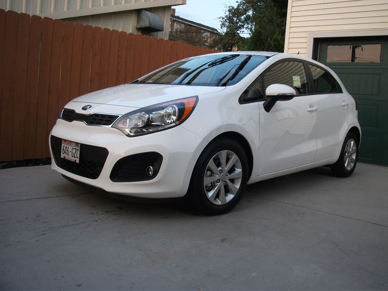 used 2014 kia rio5 for sale by owner in madison wi 53794. Black Bedroom Furniture Sets. Home Design Ideas