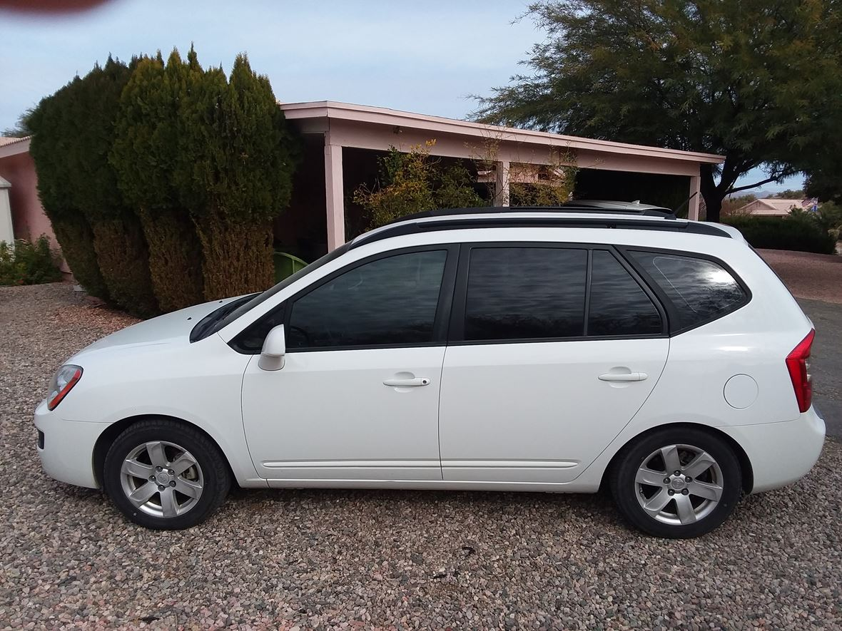 2008 Kia Rondo for sale by owner in Wickenburg