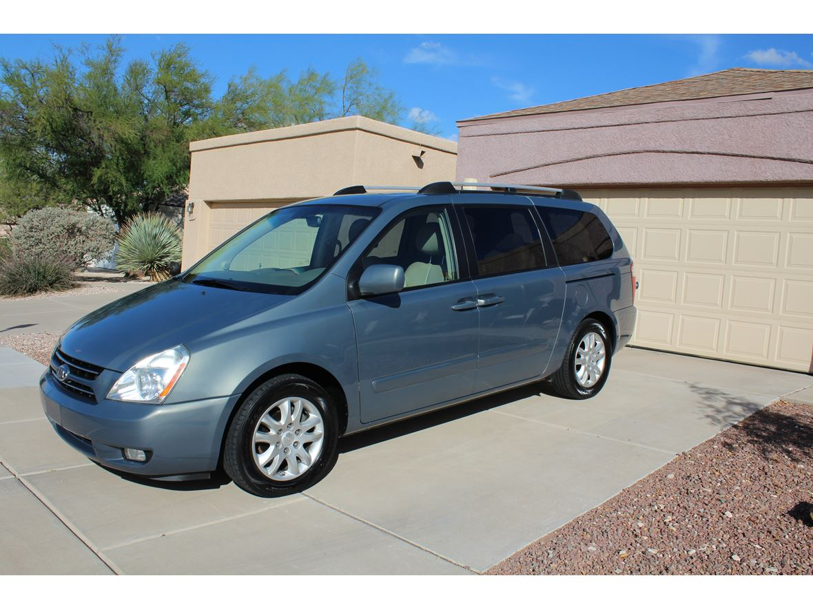 2006 Kia Sedona for sale by owner in Tucson
