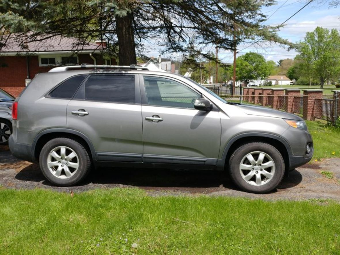 used 2012 kia sorento for sale by owner in vestal ny 13850. Black Bedroom Furniture Sets. Home Design Ideas